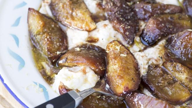 Resultado de imagem para Burrata com figos assados em balsâmico