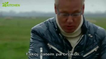 Brokolijeva juha s sirovimi krutoni